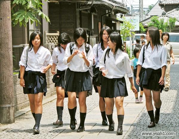 Đồng phục nữ sinh Châu Á Nhật Bản