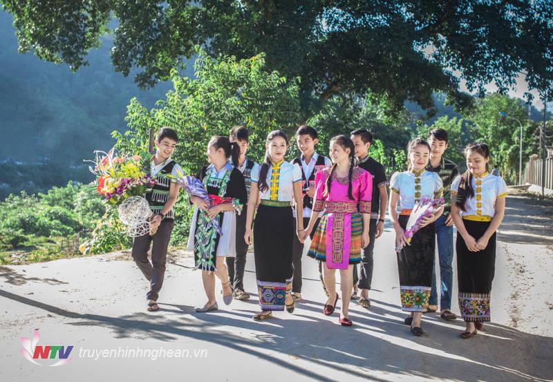 Học sinh vùng biên Kỳ Sơn